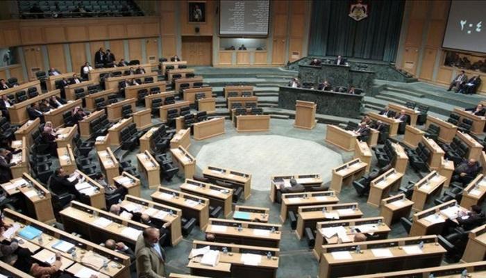 الأردن: حكومة بشر الخصاونة تفوز بثقة مجلس النواب