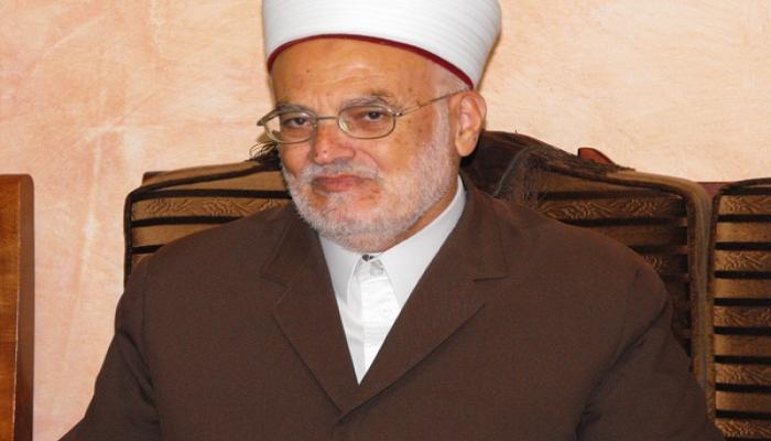 الاحتلال يبعد رئيس الهيئة الاسلامية عكرمة صبري عن الأقصى لمدة أسبوع