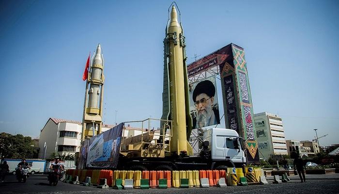 إيران تكشف النقاب عن صاروخ بحري جديد يصل مداه إلى أكثر من 700كم