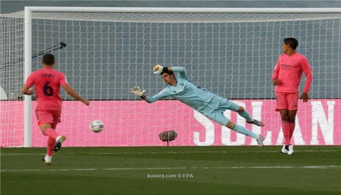 قادش يكبد ريال مدريد الهزيمة الأولى