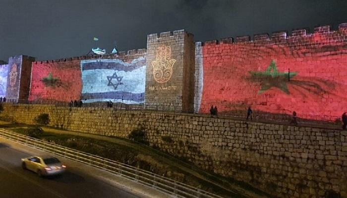 وضع أعلام ضخمة للمغرب