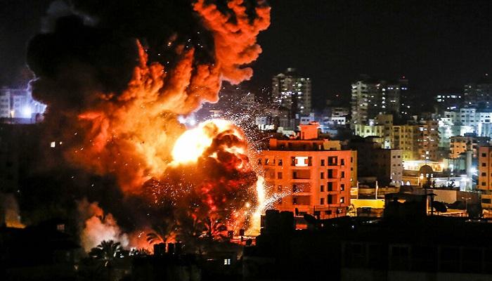 إصابتان واضرار مادية جراء قصف الاحتلال مواقع في مدينة غزة
