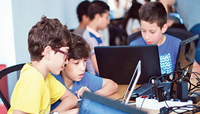 5 تطبيقات تساعد الأطفال