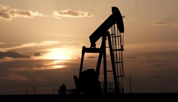 كورونا تضرب النفط العالمي وتتسبب بانكماش اقتصادي حاد
