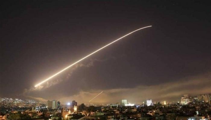 الدفاعات الجوية السورية تتصدى لصواريخ إسرائيلية فوق سماء دمشق