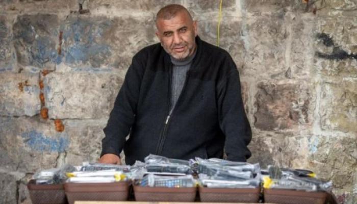 ضابط شاباك يهدد فلسطينيًا وثق اعتداءات الاحتلال في الأقصى (فيديو)