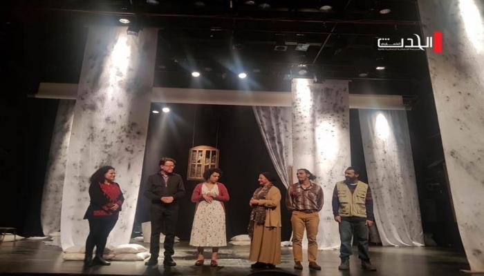 حكاية زهرة في الحرب الأهلية.. من بيروت إلى مسرح العاصمة المقدسية