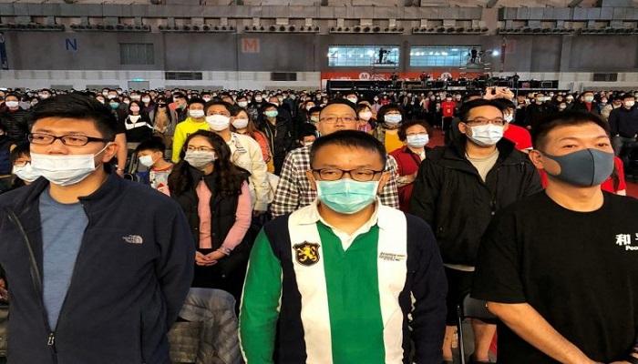 مصنع آيفون في الصين يتحول إلى تصنيع الأقنعة الواقية لمواجهة