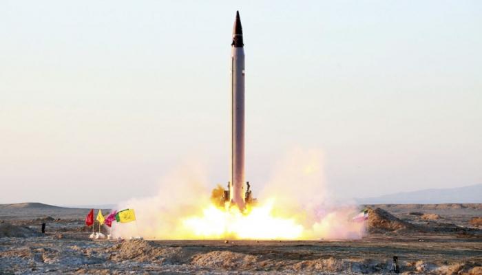 الحرس الثوري يكشف عن صاروخ