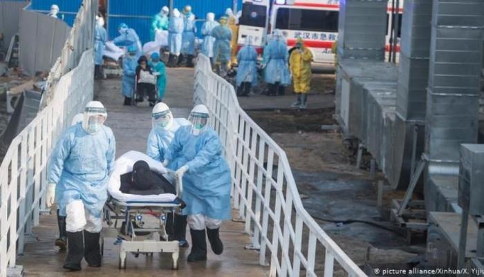 ضحايا كورونا: الوفيات تتخطى العشرة آلاف ونحو ربع مليون مصاب
