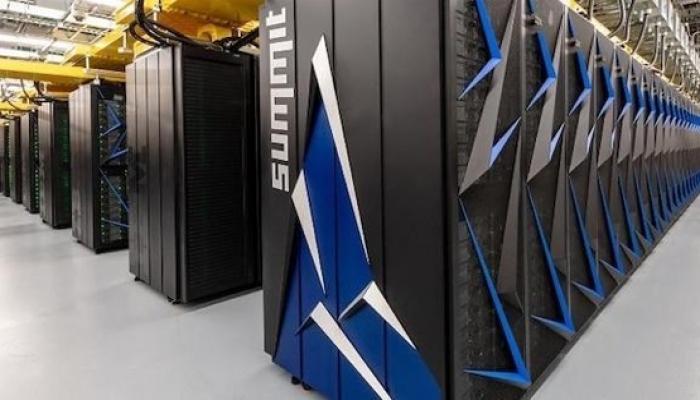 تطوير أول كمبيوتر عملاق لمحاربة فيروس كورونا