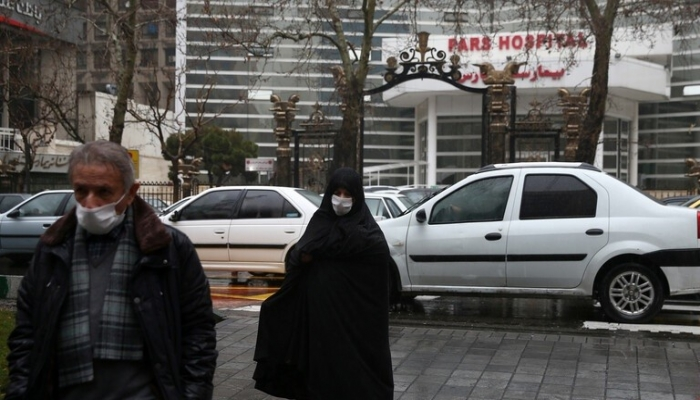 خلال الـ24 ساعة الماضية.. 3111 إصابة جديدة و141 وفاة بكورونا في ايران