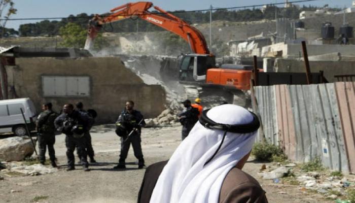 الاحتلال يهدم منزلا قيد الانشاء في فروش بيت دجن