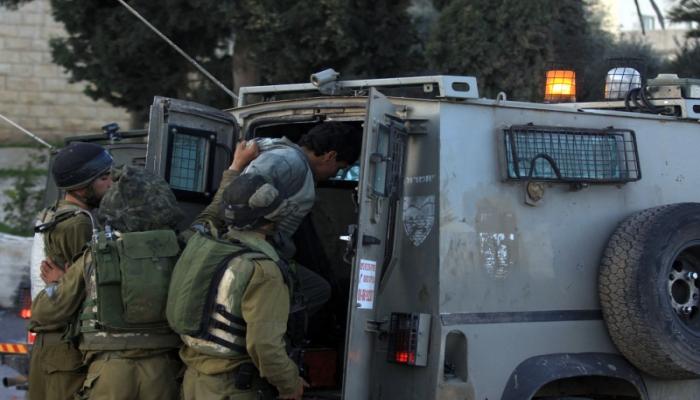 الاحتلال يعتقل الشاب عبد الله سامي دويك من مخيم الجلزون