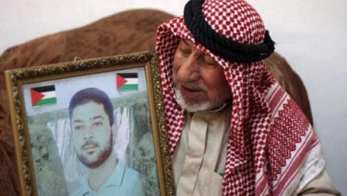 وفاة والد الأسير خليل براقعة المحكوم بالسجن المؤبد 20 مرة