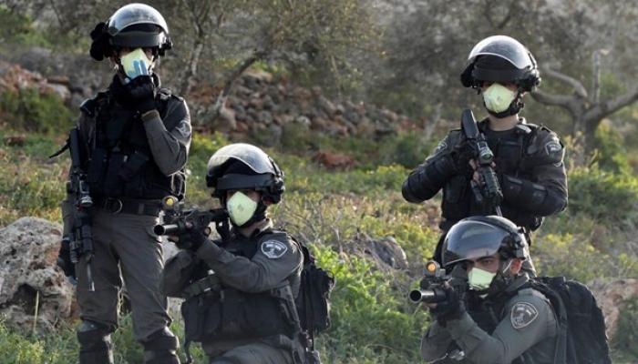 يتمركزون قرب قرى فلسطينية.. إصابة 12 جنديا من لواء غولاني بكورونا