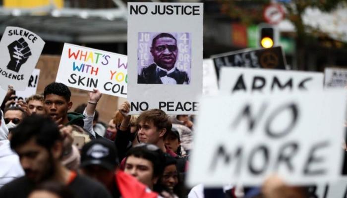 نعوم تشومسكي| التظاهرات في أمريكا وكورونا ومناخ الكرة الأرضية