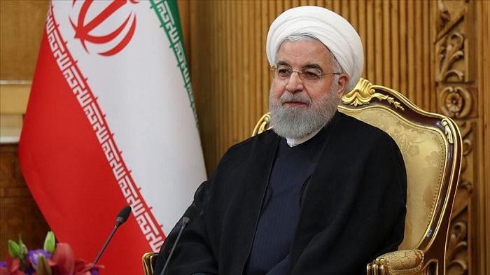 روحاني يعلن عن إلزام الإيرانيين بالكمامة في الأماكن المغلقة ابتداء من الغد