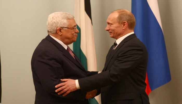 الرئيس عباس: نهنئ الرئيس الروسي فلادمير بوتين بتسجيل أول لقاح مضاد لفيروس كورونا