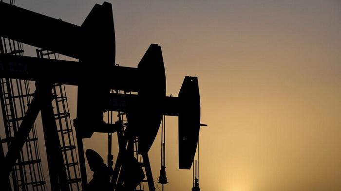 ارتفاع أسعار النفط بعد بيانات صناعة إيجابية