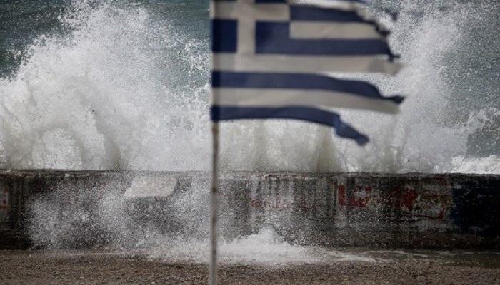 اجتياح عاصفة متوسطية نادرة لليونان