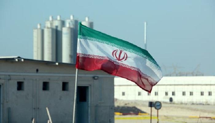 بلومبيرغ: واشنطن تحضر لعقوبات تعزل إيران عن الخارج