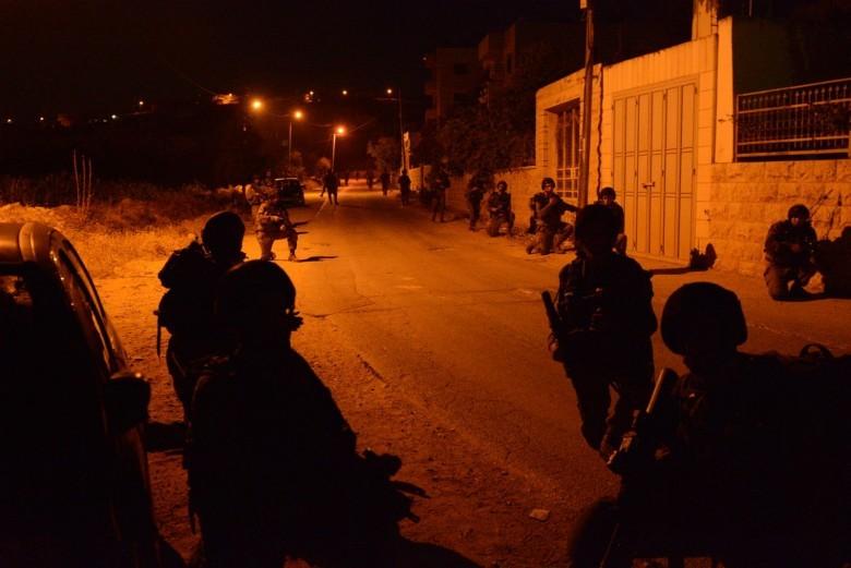 إصابة شابين برصاص الاحتلال في دير أبو مشعل
