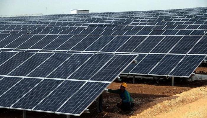 اتفاقية لإنشاء محطة للطاقة الشمسية قرب بلدة سفارين بقدرة إنتاجية 5 ميجاواط