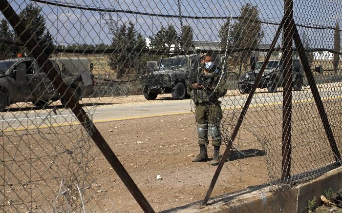 يديعوت: جنود الاحتلال اعتدوا جنسيا على معتقل فلسطيني