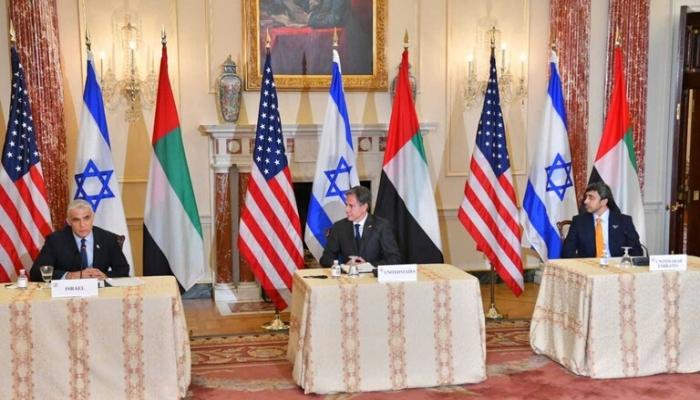وزير خارجية الإمارات: راضون عن علاقتنا المتنامية مع إسرائيل