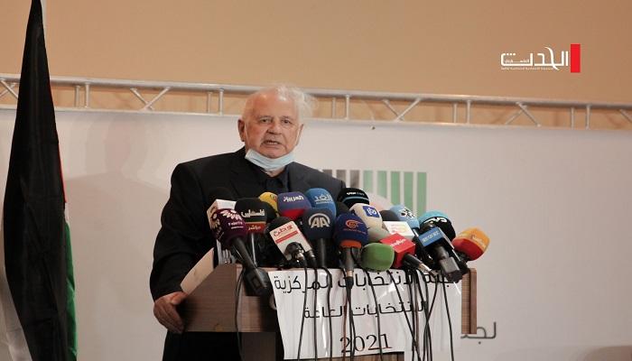 لجنة الانتخابات تطلع الفصائل على إجراءات الترشح