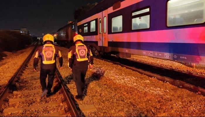 مصرع شخص دهسا تحت عجلات قطار بالقرب من حيفا