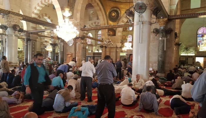 عكرمة صبري يدعو لاستمرار الاعتكاف بالأقصى حتى نهاية شهر رمضان