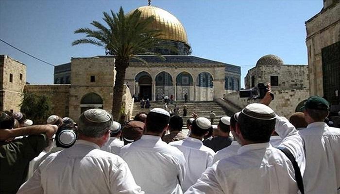 جمعيات استيطانية تدعو لمسيرة حول أبواب المسجد الأقصى غدا