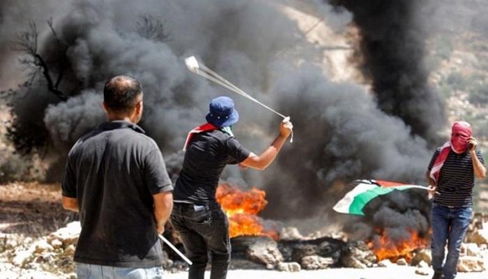 إصابة مواطن بقنبلة غاز بالرأس خلال مواجهات مع الاحتلال في بيتا
