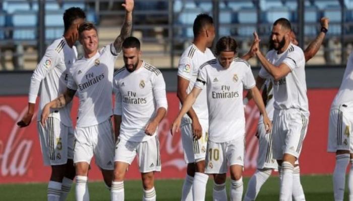 ريال مدريد يجدد عقد