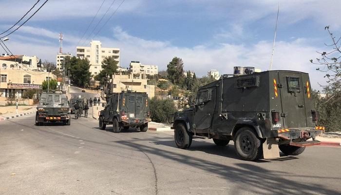 إصابة شاب خلال اقتحام قوات الاحتلال بلدة بيرزيت
