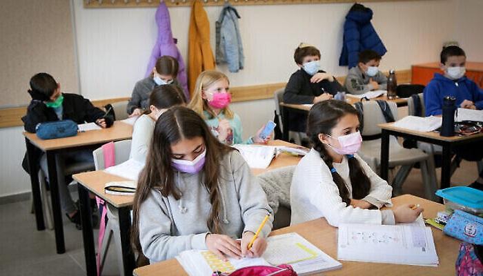 ارتفاع كبير في عدد إصابات كورونا بإسرائيل.. نصفهم من الطلاب