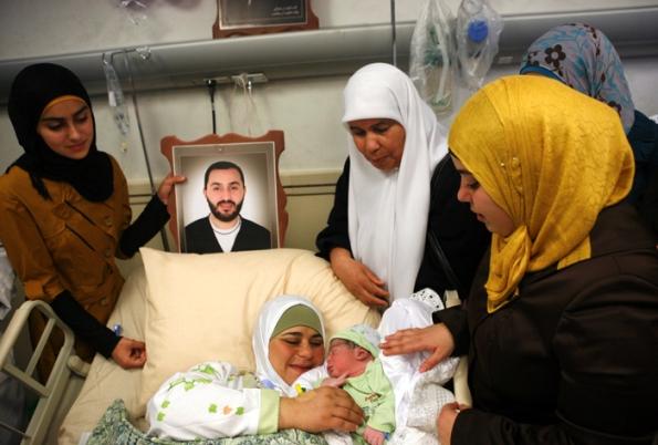 النطف المهربة... ابتكار جديد لصناعة الحياة من زنازين الموت الإسرائيلية